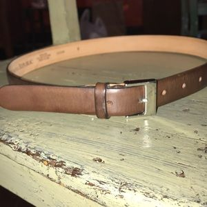 EUC women's Banana Republic brown leather belt